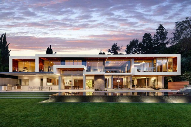 massive ultramodern hillside los angeles jet set estate 1 main lights view thumb 630x420 18292 Ultramodern Hillside Los Angeles Jet Set Estate