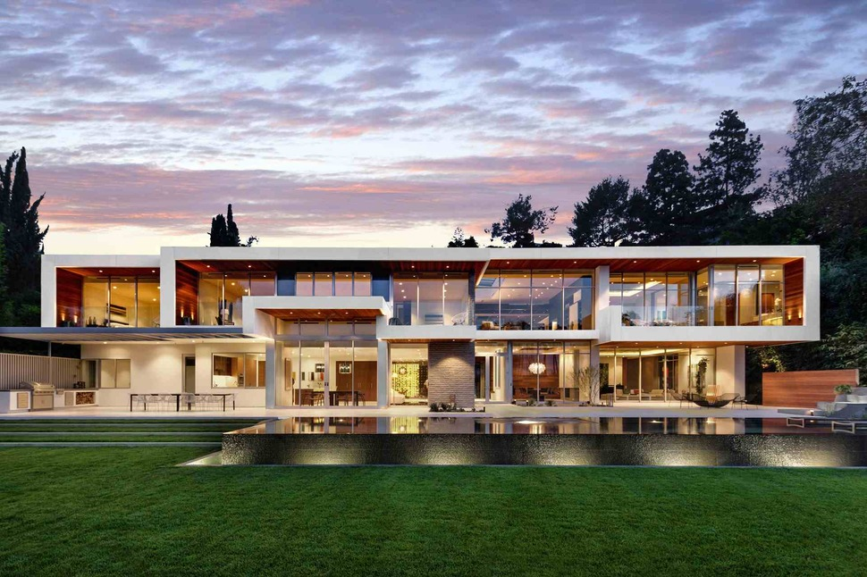Ultramodern Hillside Los Angeles Jet Set Estate