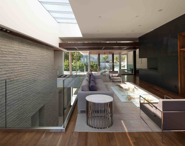massive-ultramodern-hillside-los-angeles-jet-set-estate-17-living-room.jpg