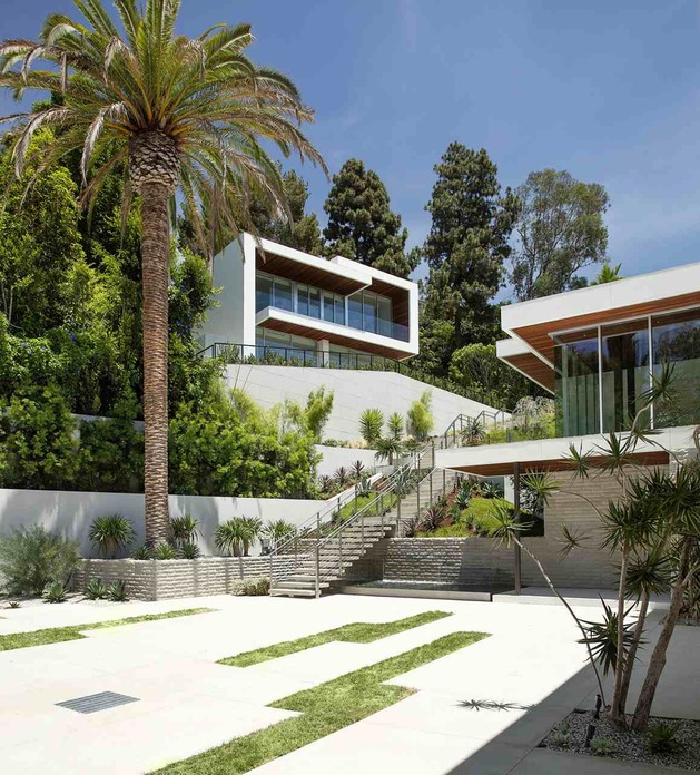 massive-ultramodern-hillside-los-angeles-jet-set-estate-23-daytime-guest-far.jpg