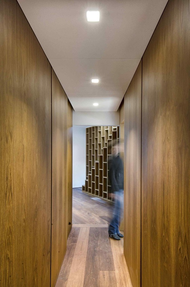 minimal-italian-home-blends-unique-stone-wood-finishes-16-hallway.jpg