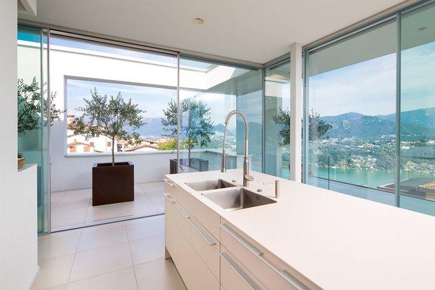 minimalist-mountain-top-home-panoramic-lake-views-17-kitchen.jpg