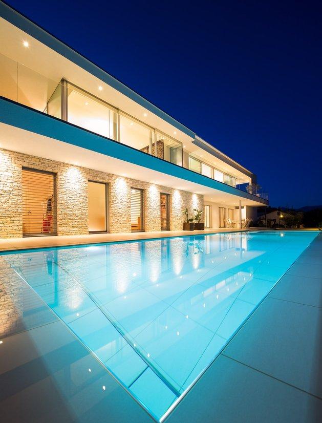 minimalist-mountain-top-home-panoramic-lake-views-4-pool.jpg
