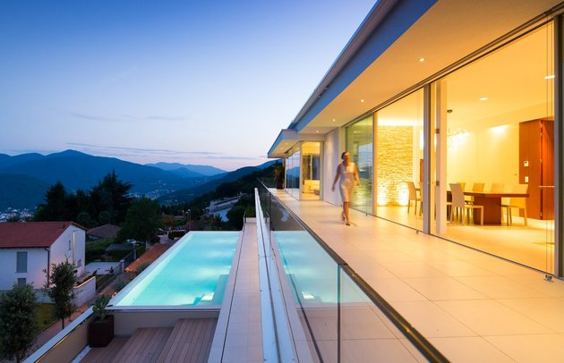 minimalist-mountain-top-home-panoramic-lake-views-8-pool.jpg
