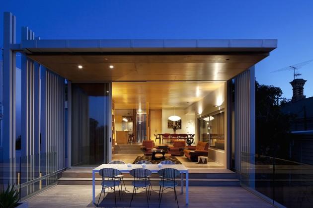 modern-architecture-versus-vintage-interior-12.jpg