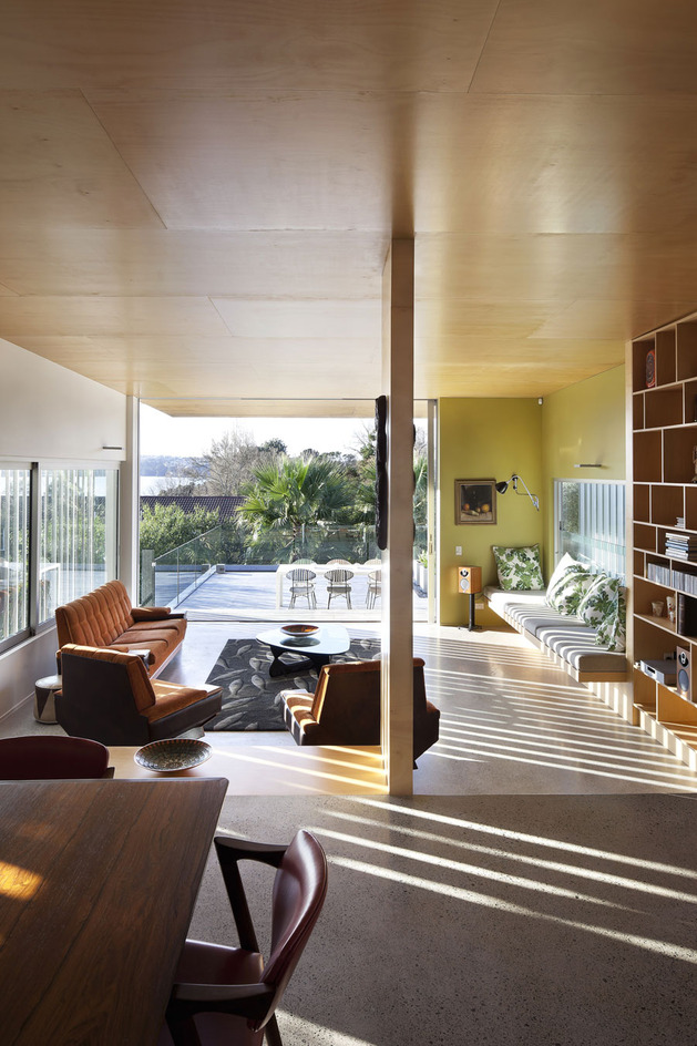 modern architecture versus vintage interior 2 thumb 630x944 22679 Modern Architecture versus Vintage Interior