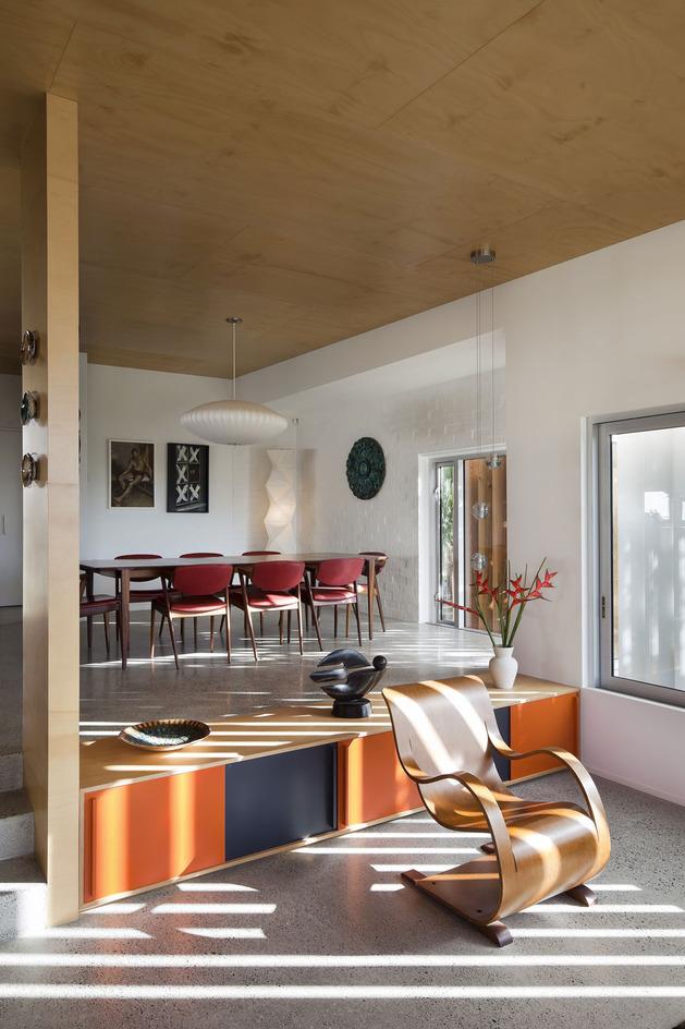 modern-architecture-versus-vintage-interior-3.jpg