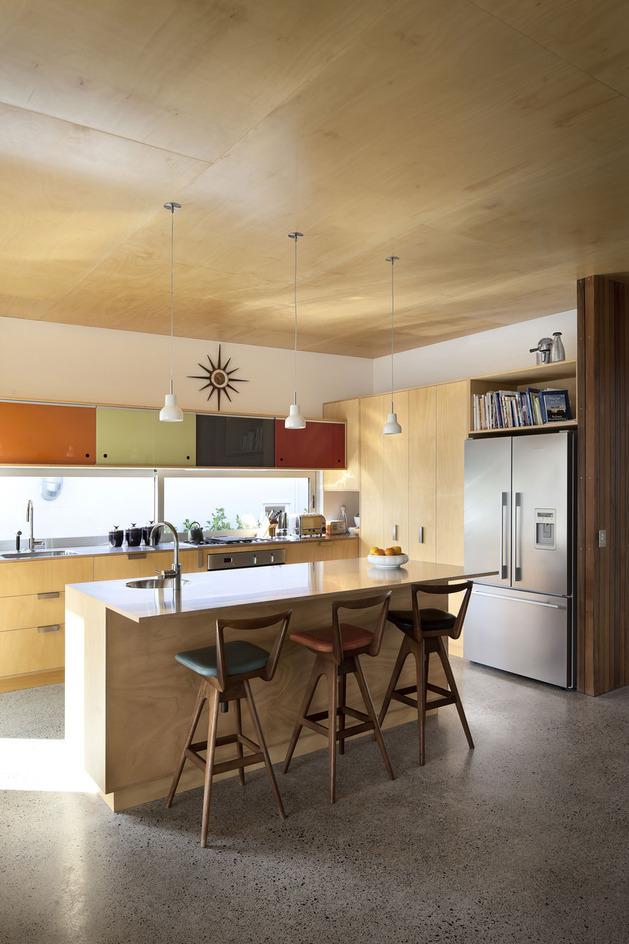 modern-architecture-versus-vintage-interior-5.jpg