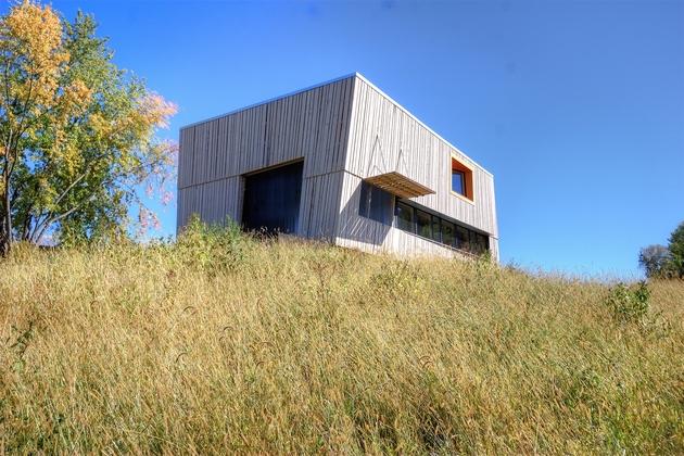 modern-midwest-barn-house-16.jpg