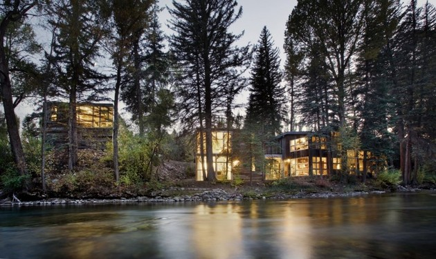 natural wood clad colorado home designed around existing trees 1 thumb 630x375 22082 Natural Wood Clad Colorado Home Designed Around Existing Trees