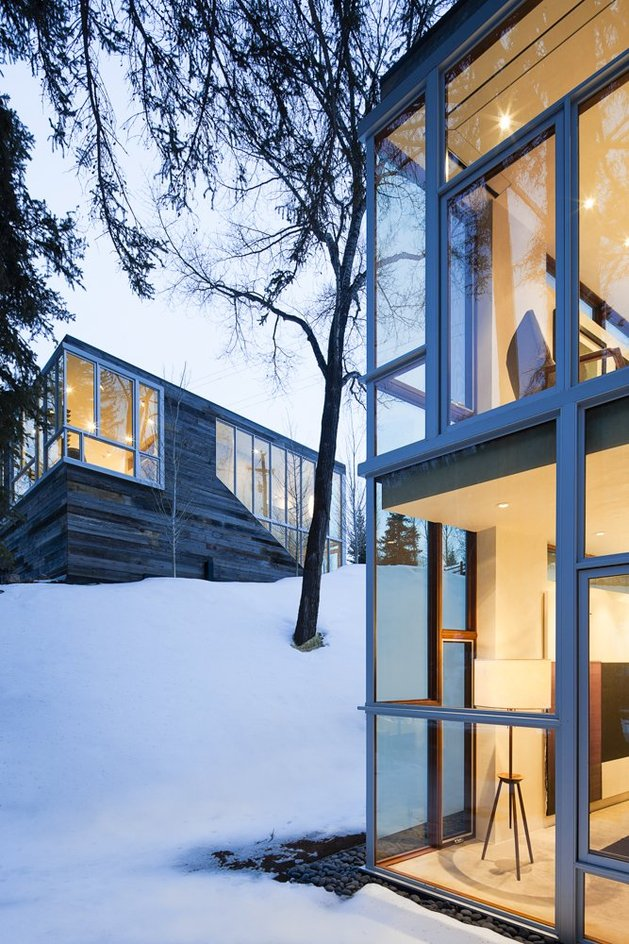 natural-wood-clad-colorado-home-designed-around-existing-trees-10.jpg