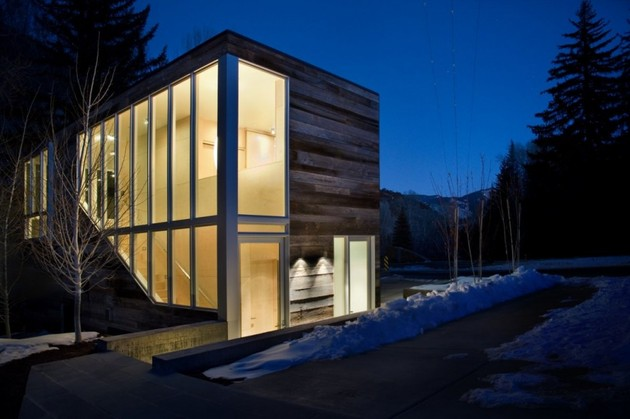 natural-wood-clad-colorado-home-designed-around-existing-trees-4.jpg