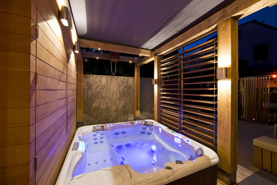 Netherlands wellness centre with luxurious indoor outdoor for Hot tub designs and layouts