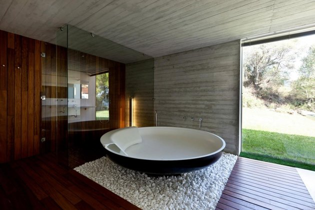 plane-house-greece-offers-plainly-awesome-indoor-outdoor-lifestyle-14-bathroom.jpg
