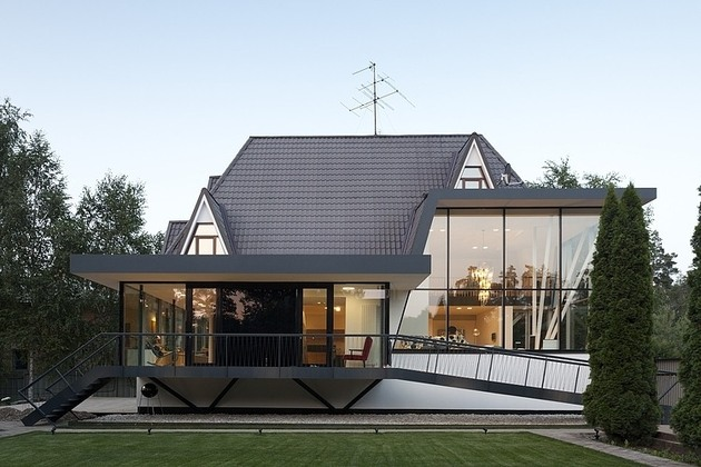 renovation-redefines-home-stunning-staircase-open-plan-4-facade.jpg