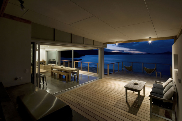 seaside-sydney-respite-scenic-covered-patio-rooms-10-enclosed-patio.jpg