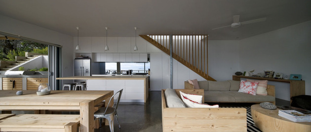 seaside-sydney-respite-scenic-covered-patio-rooms-3-living-room-kitchen.jpg