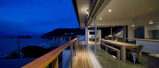 seaside-sydney-respite-scenic-covered-patio-rooms-9-thin-deck.jpg