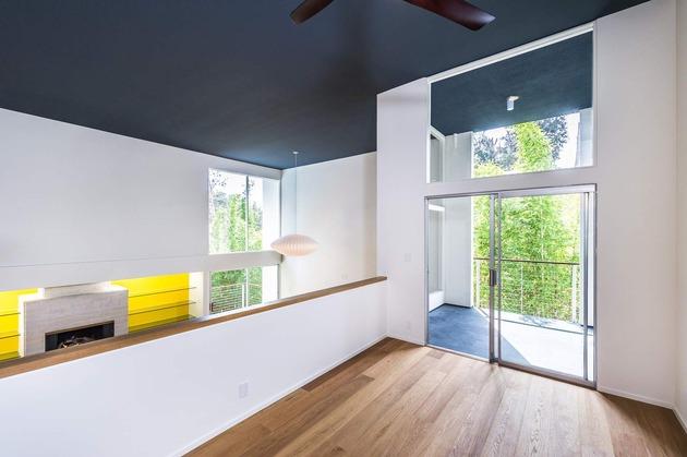 skillful-renovation-iconic-mid-century-los-angeles-residence-15-upstairs-overlook.jpg