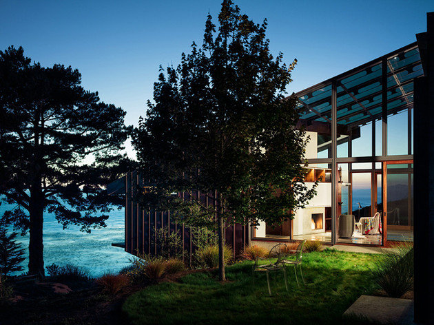spectacular-glass-and-copper-cliff-house-in-big-sur-california-16.jpg