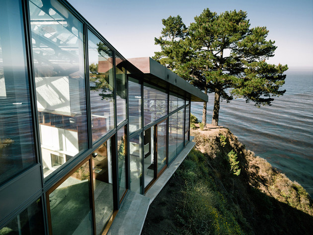 spectacular-glass-and-copper-cliff-house-in-big-sur-california-5.jpg