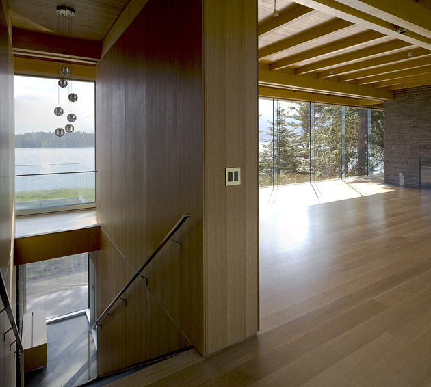 sprawling-multifaceted-canadian-home-features-glass-all-sides-11-landing.jpg