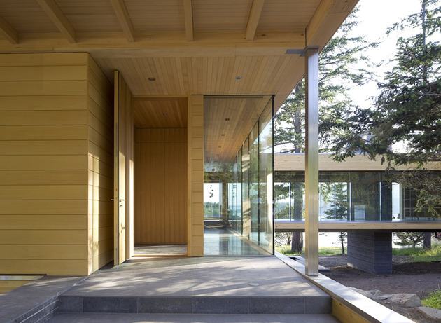sprawling-multifaceted-canadian-home-features-glass-all-sides-5-entrance.jpg