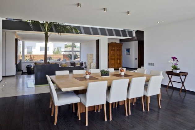 study-contradictions-contemporarily-serene-mexico-city-home-10-dining-room-close.jpg