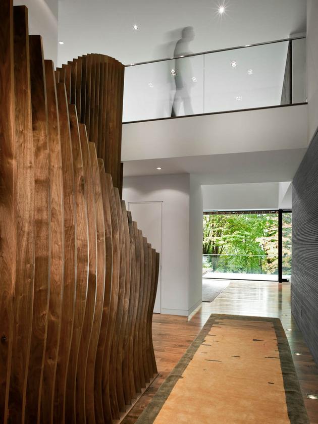 stunning-details-large-open-spaces-define-toronto-home-11-balustrade.jpg