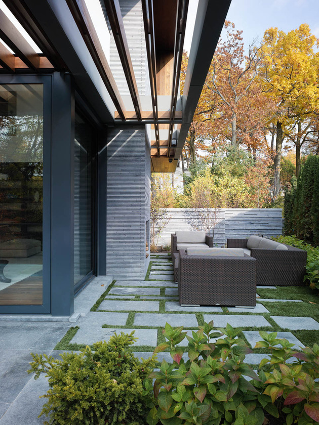 stunning-details-large-open-spaces-define-toronto-home-17-outdoors.jpg