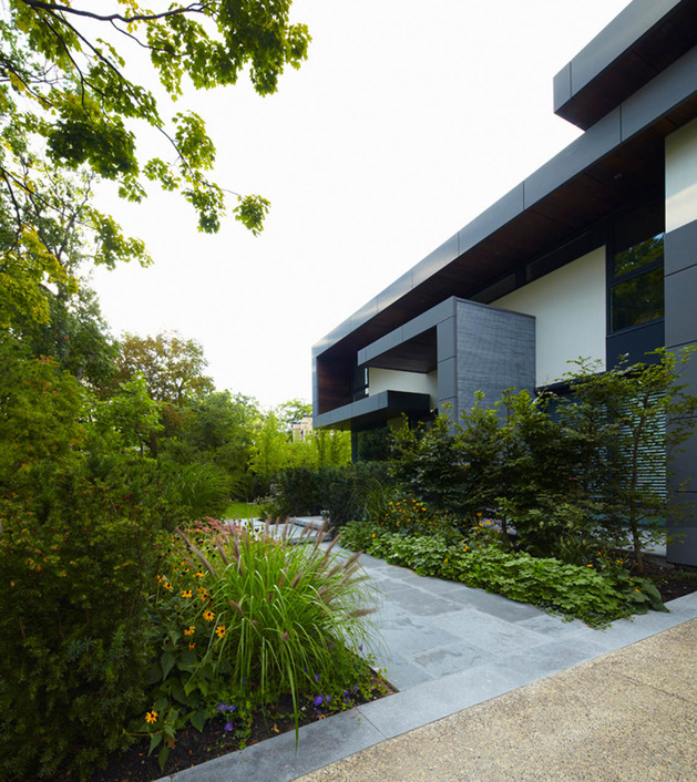 stunning-details-large-open-spaces-define-toronto-home-26-path.jpg