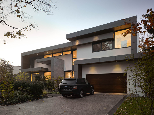 stunning-details-large-open-spaces-define-toronto-home-32-facade.jpg
