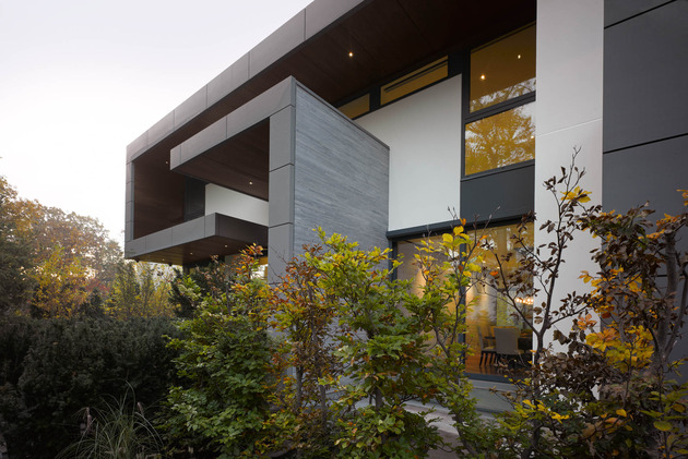 stunning-details-large-open-spaces-define-toronto-home-34-facade.jpg