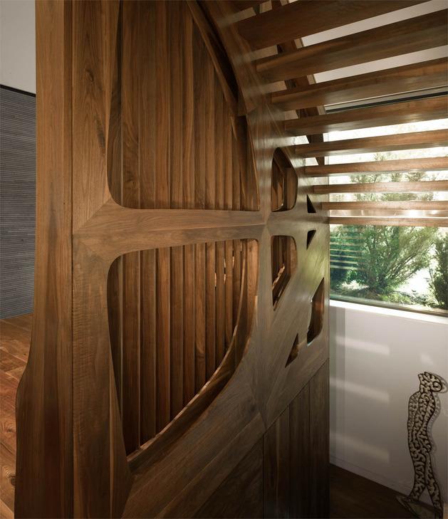 stunning-details-large-open-spaces-define-toronto-home-8-balustrade.jpg