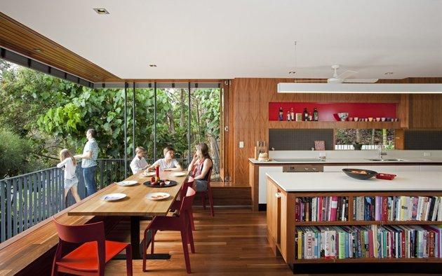 stunningly-reinvented-australian-home-features-towering-indoor-outdoor-courtyard-12-kitchen.jpg