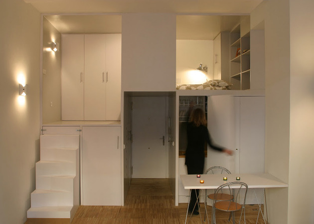 super-compact-dadrid-apartment-with-soothingly-smooth-finishes-4-kitchen-half-open.jpg