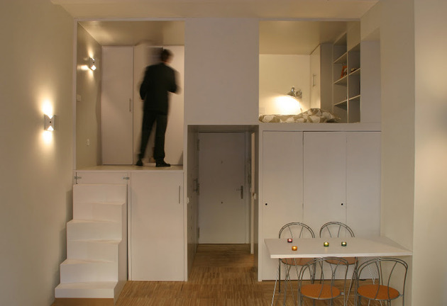 super-compact-dadrid-apartment-with-soothingly-smooth-finishes-6-landing.jpg