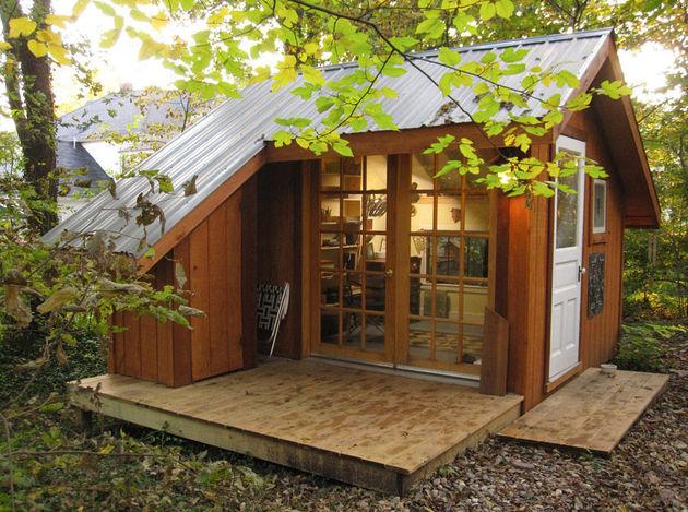 tiny house backyard sanctuary missouri 1 thumb 630x469 19328 Tiny House   A Backyard Sanctuary in Missouri