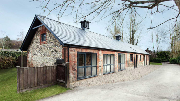 uk stable conversion home with rustic farmhouse details 2 thumb 630x353 18582 Stable Conversion Home with Rustic Farmhouse Details