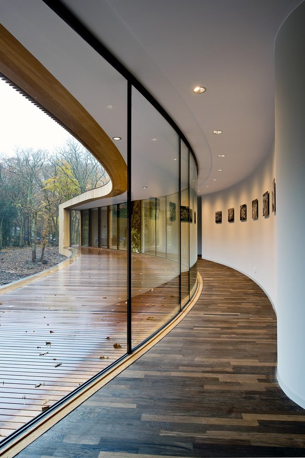 villa-k-curves-x-formation-through-oak-forest-netherlands-3-gallery-wall.jpg