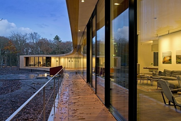 villa-k-curves-x-formation-through-oak-forest-netherlands-4-living.jpg