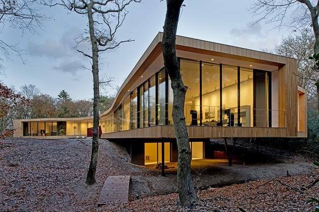 villa-k-curves-x-formation-through-oak-forest-netherlands-5-living.jpg
