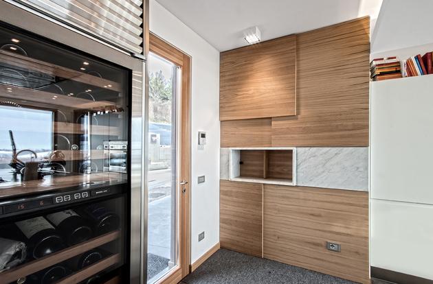 2-buildings-1-roof-combine-create-casa-ssm-italy-11-kitchen.jpg