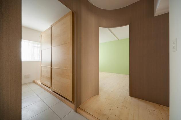 adorable-doll-house-like-interiors-sinato-10-bedroom.jpg