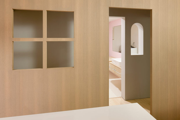 adorable-doll-house-like-interiors-sinato-8-hall.jpg
