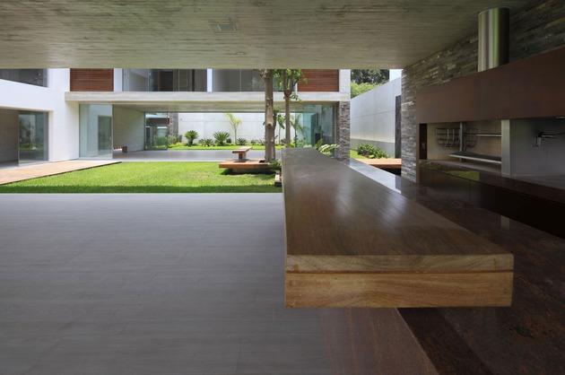 airy-peruvian-double-bridge-structure-house-9-kitchen.jpg