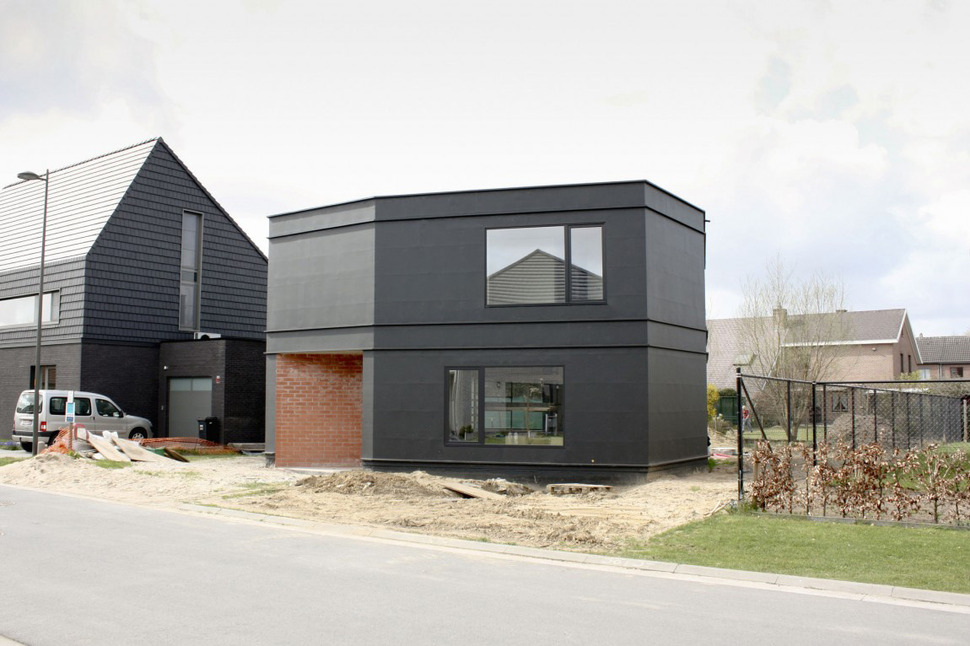 View In Gallery Belgium Angle House With Concrete Wood And Brick Interiors  2 Thumb 630x419 26581 Belgium Angle House