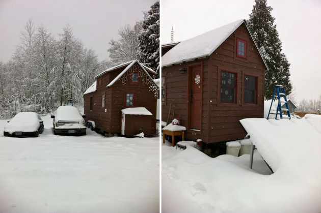 cabin-style-compact-washington-mobile-home-for-two-3-winter.jpg