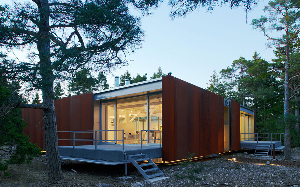 Concrete And Corten Steel House With Hydraulic Adjustable