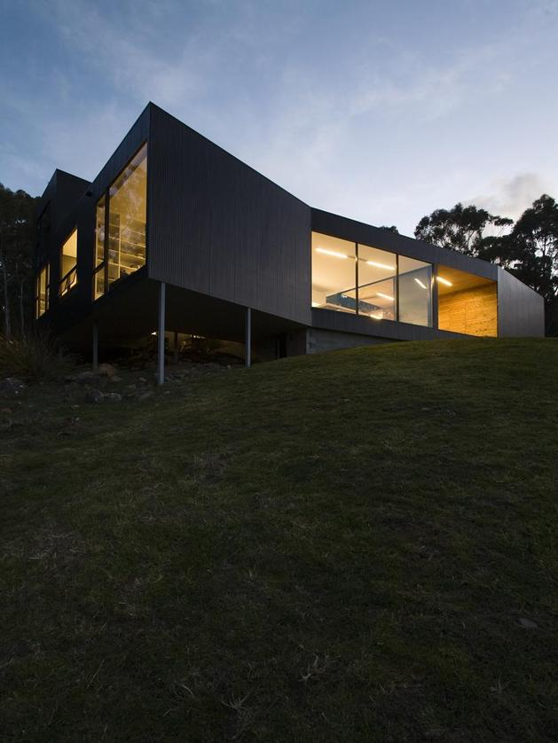 courtyard-house-built-for-severe-tasmanian-weather-4-from-below-angle-night.jpg